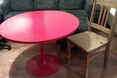 Annetaan: dining table + chair (only the chair is left)