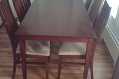 Myydään: Hyväkuntoinen keittiöpöytä ja 6 tuolia