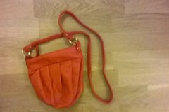 Annetaan: small bag (red)