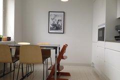 Annetaan vuokralle: Furnished 4 bedroom flat in Taka-Töölö.