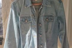Myydään: Selling: Old Navy jeans jacket size L