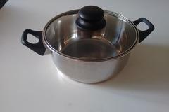Myydään: Pot