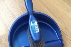 Myydään: Small Broom