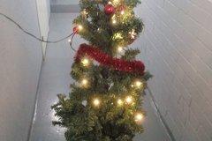 Myydään: Christmas tree