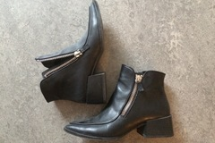 Myydään: Zara Boots 41 - great condition!
