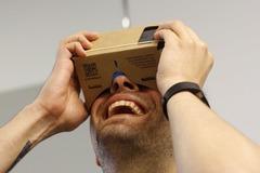 Myydään: Google VR Cardboard